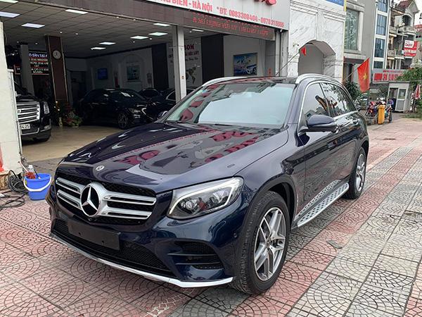 Mercedes GLC300 2018 cũ, màu Xanh, bao test hãng, giá cực tốt