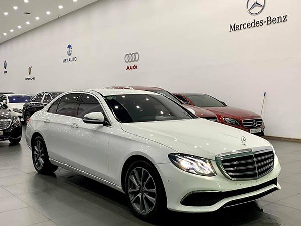 Mercedes E200 Exclusive 2020 màu Trắng, nội thất Đen, chạy lướt 11365 km, bao check hãng