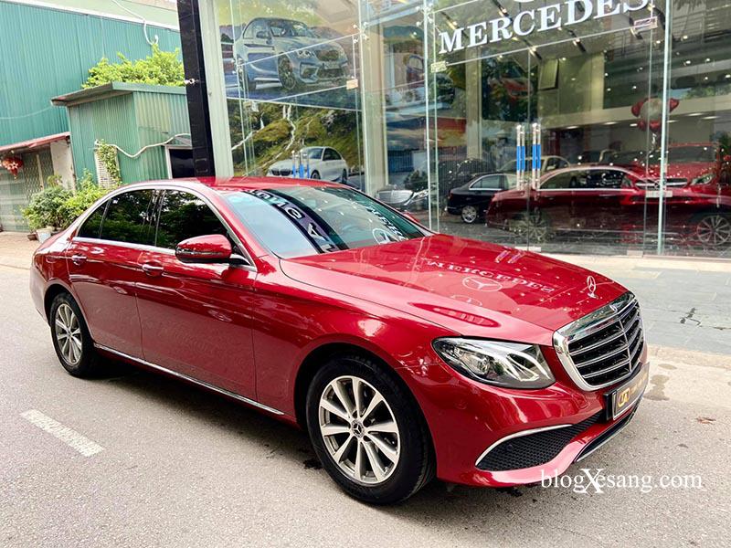 Mercedes E200 2019 màu Đỏ nội thất Đen giá chỉ 1 tỷ 899