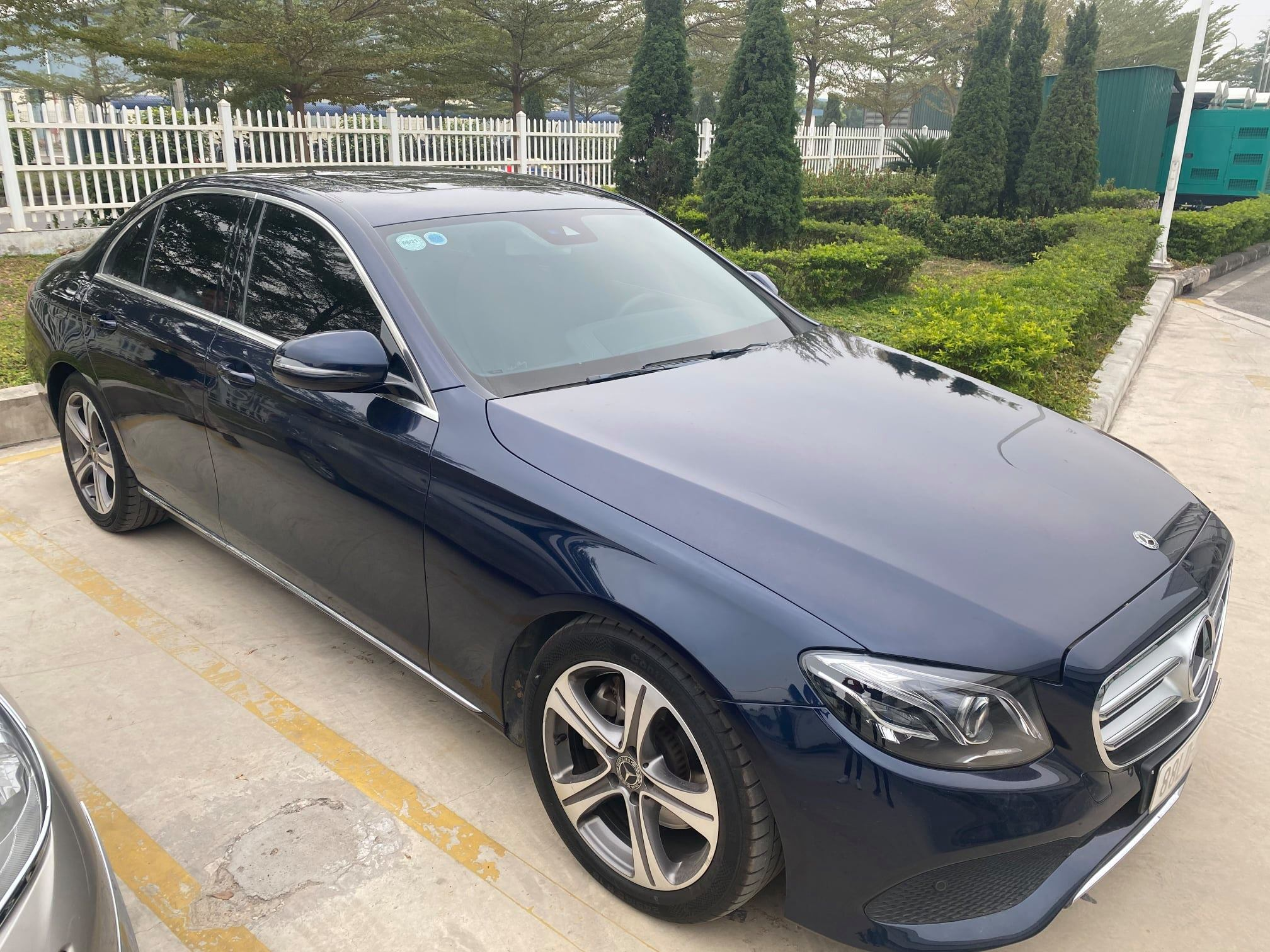 Mercedes E250 2018 cũ, Màu Xanh, Chạy 36000 km, Giá rẻ