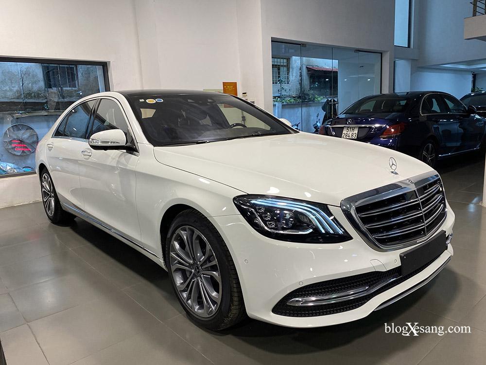 Bán xe Mercedes S450 Luxury sản xuất 2020, màu trắng, đi 2000km, mới 99%, giá cực rẻ