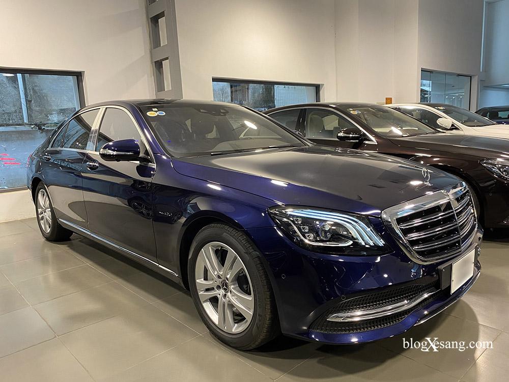 Bán xe Mercedes S450L màu xanh, nội thất nâu, đăng ký 2020, chạy 999 km, mới 99%, giá cực hợp lý