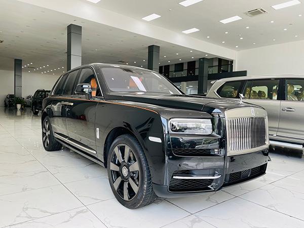 Rolls Royce Cullinan 2021 mới về tới Việt Auto, chiếc xe đẳng cấp nhất cho Ông Chủ