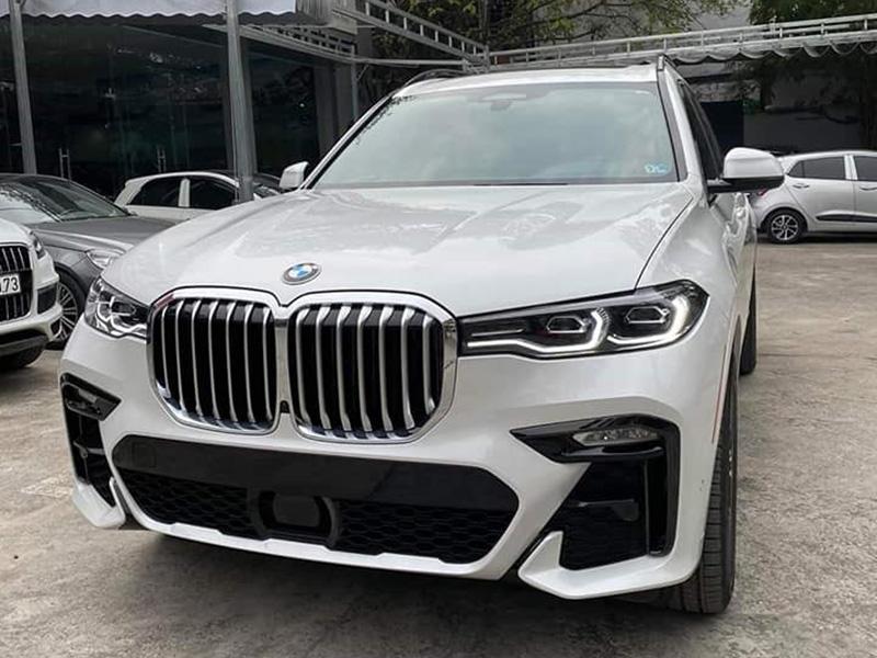 Bán xe BMW X7 mới 100% nhập khẩu, giá 302000 USD